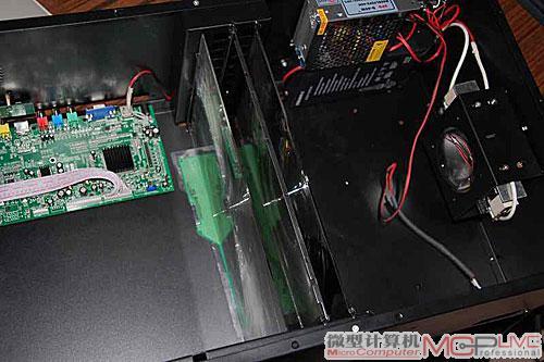 先把液晶屏与驱动电路板的线路连接好
