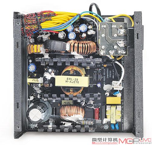 它采用双管正激+主动pfc结构,一二级emi滤波电路完整,主电容为fec 220